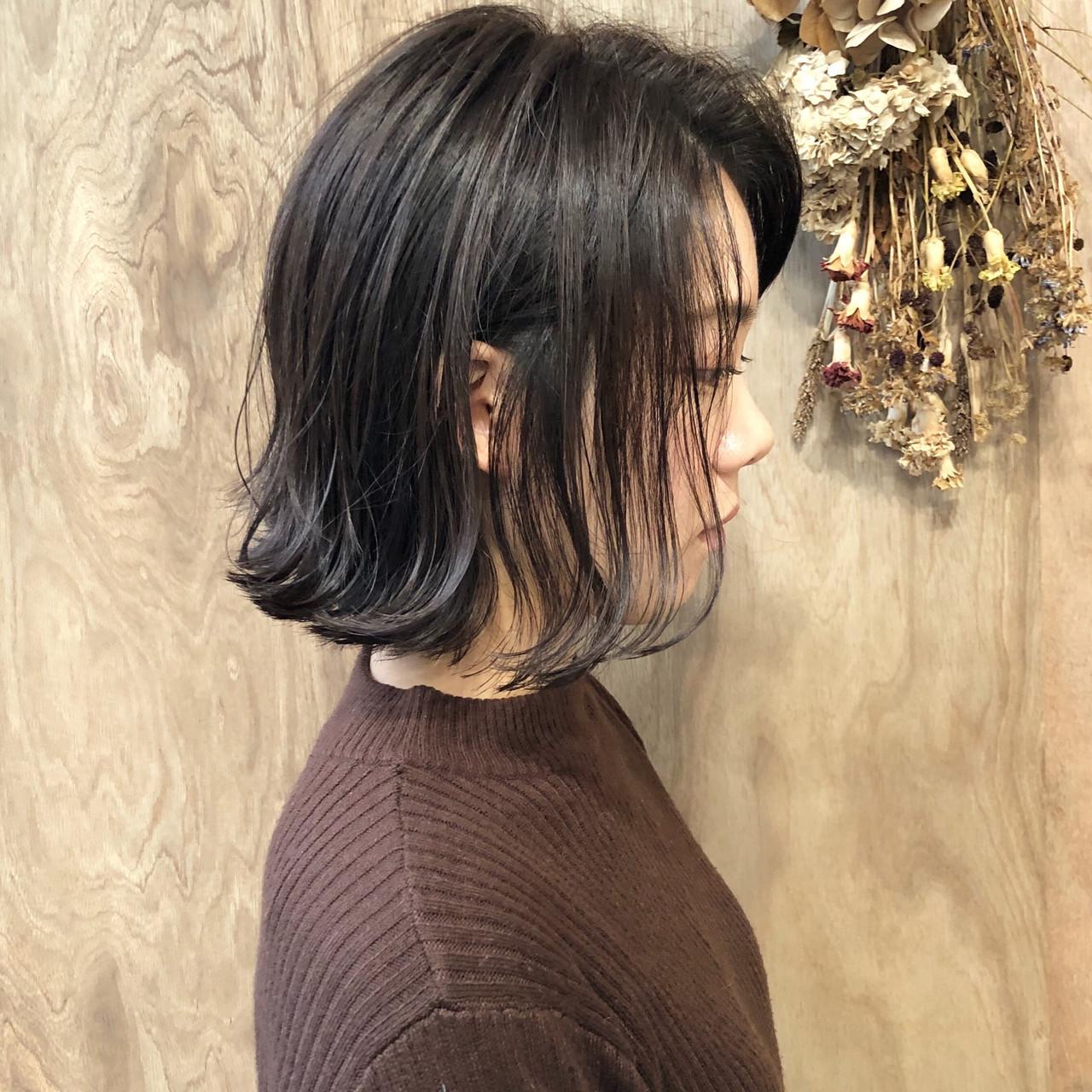 ショートボブ ナチュラル 切りっぱなしボブ ミニボブ ヘアスタイルや髪型の写真・画像