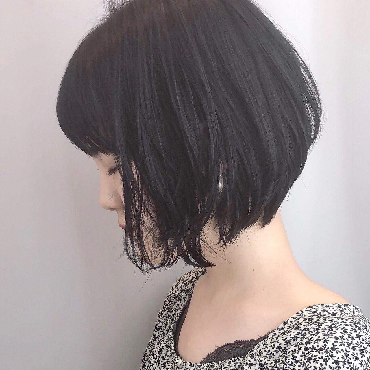 小顔ショート ナチュラル デート 黒髪 ヘアスタイルや髪型の写真・画像