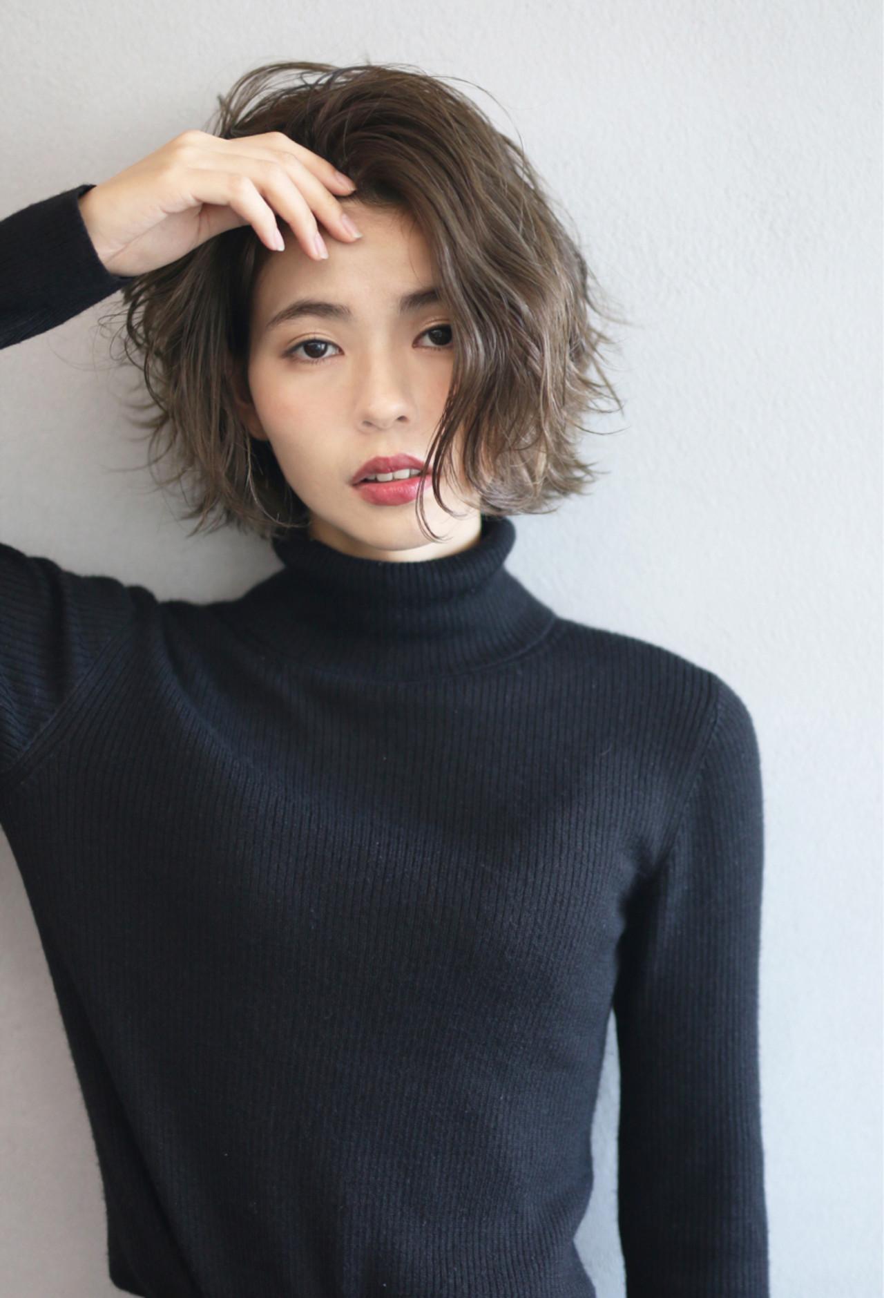 外ハネ ウェーブ ナチュラル 簡単 ヘアスタイルや髪型の写真・画像