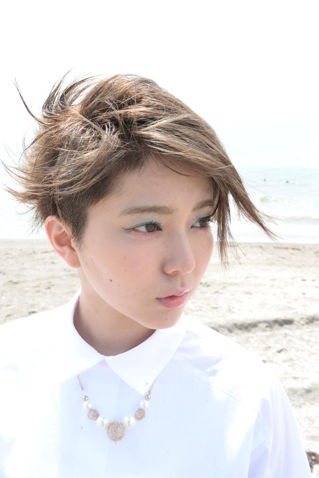 ショート 外国人風 モード ツーブロック ヘアスタイルや髪型の写真・画像