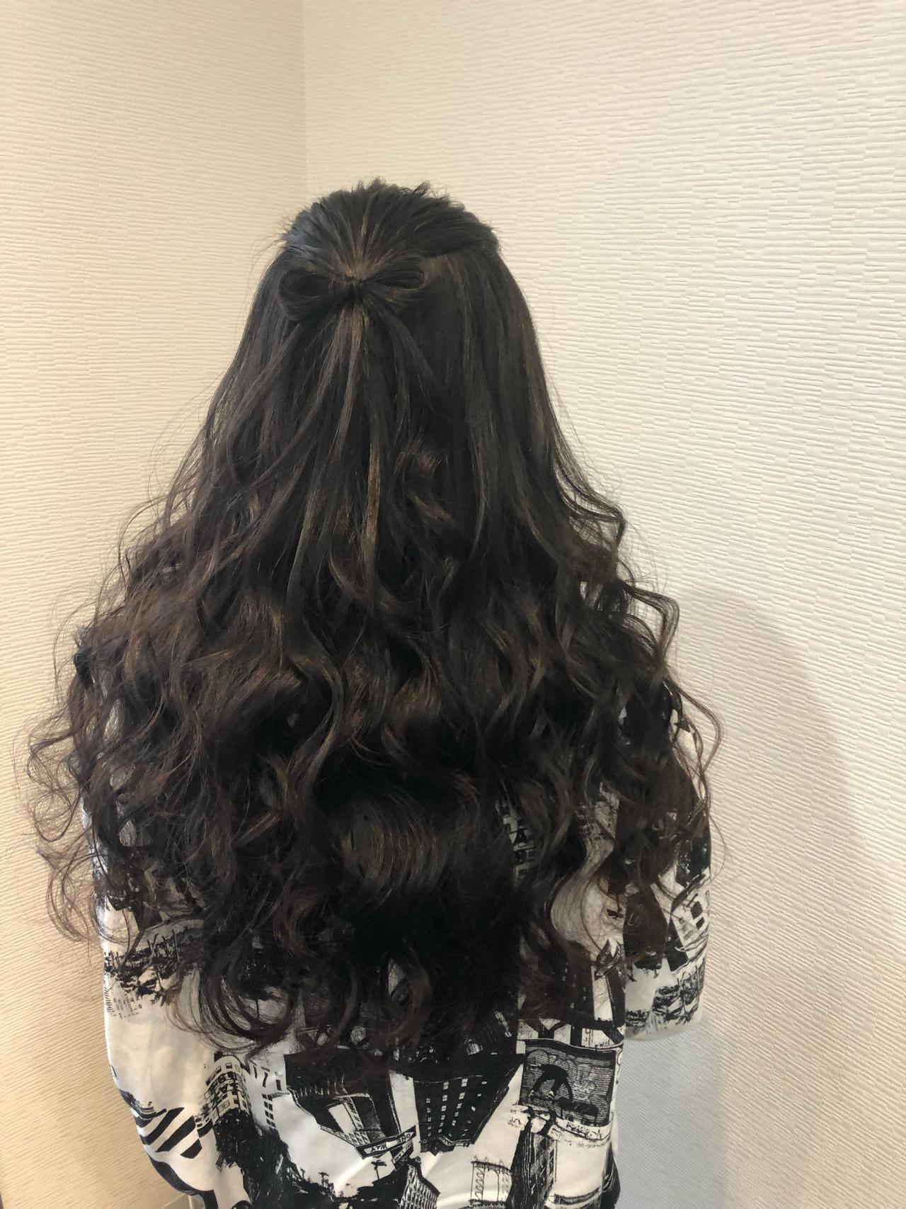 黒髪もゴージャスに♡華やかMIX巻きハーフアップ mai