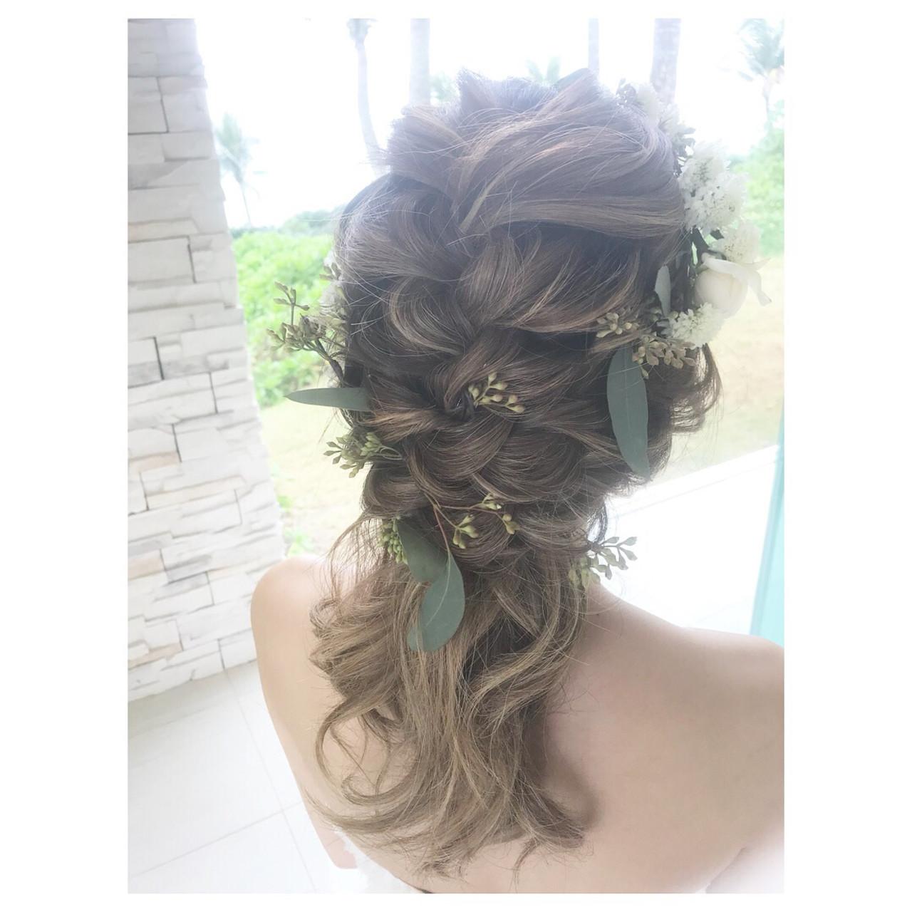 ベールとティアラが似合うミディアムのアンニュイな髪型 ayano urahairmakeFULL