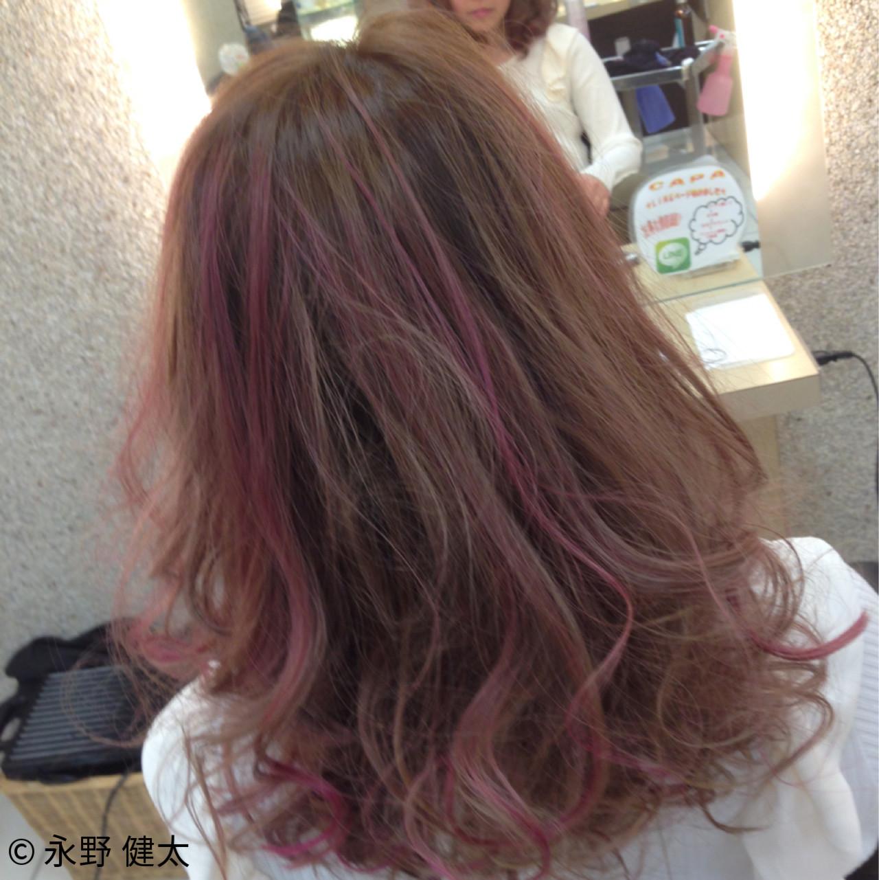 メッシュ ハイライト ピンク ガーリー ヘアスタイルや髪型の写真・画像