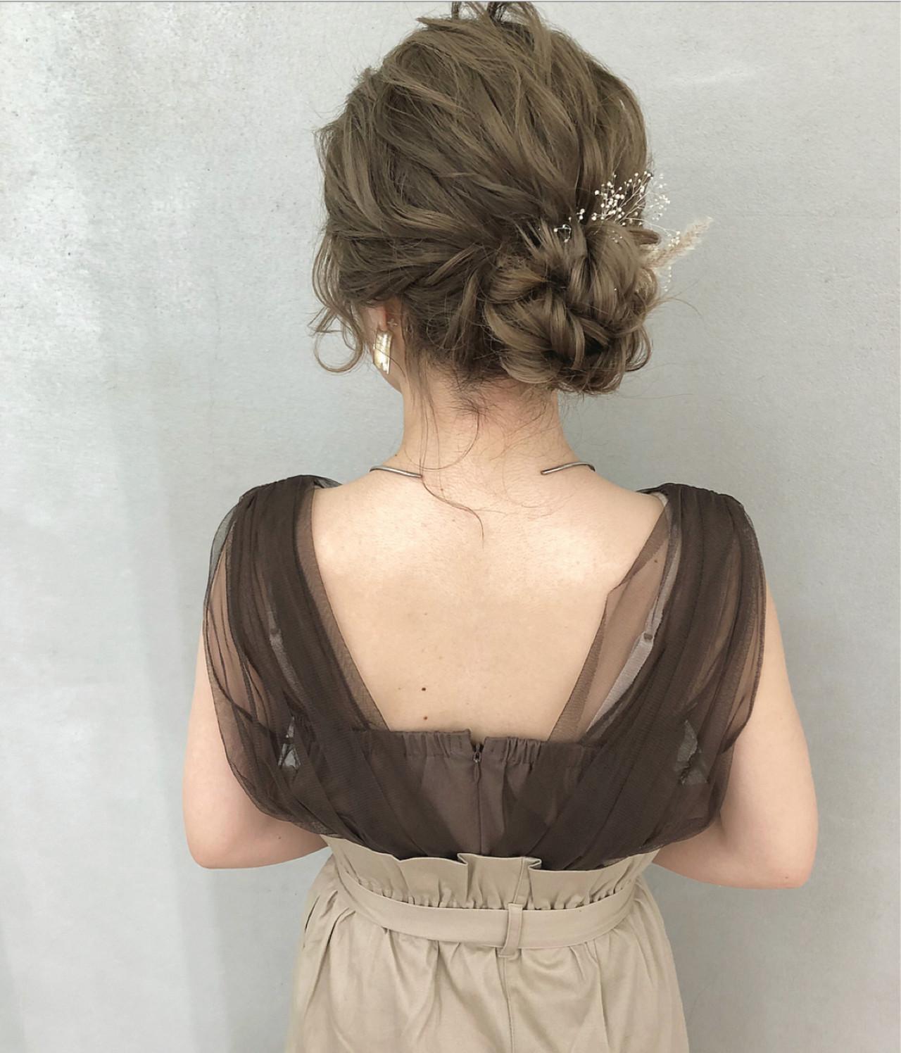 ヘアアレンジ シニヨン ミディアム 大人かわいい ヘアスタイルや髪型の写真・画像