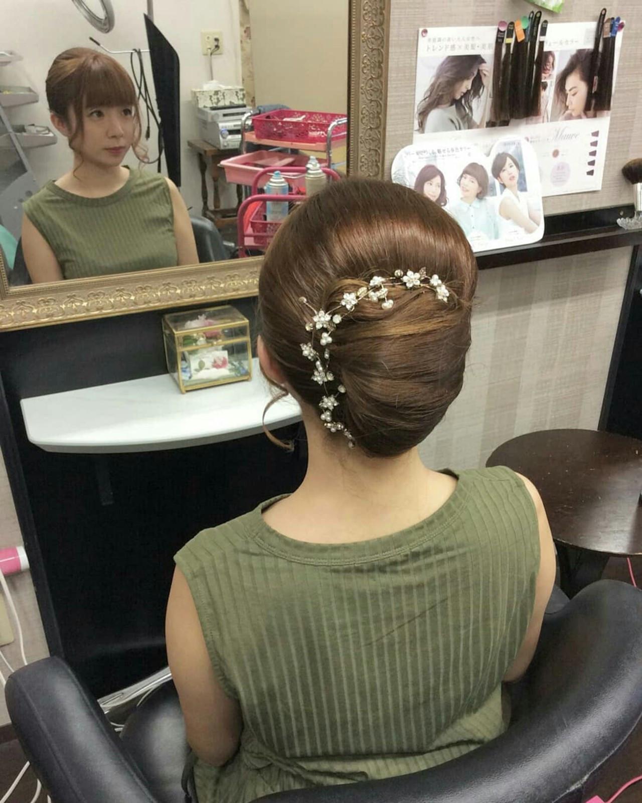 ロング ヘアアレンジ 夜会巻 ナチュラル ヘアスタイルや髪型の写真・画像