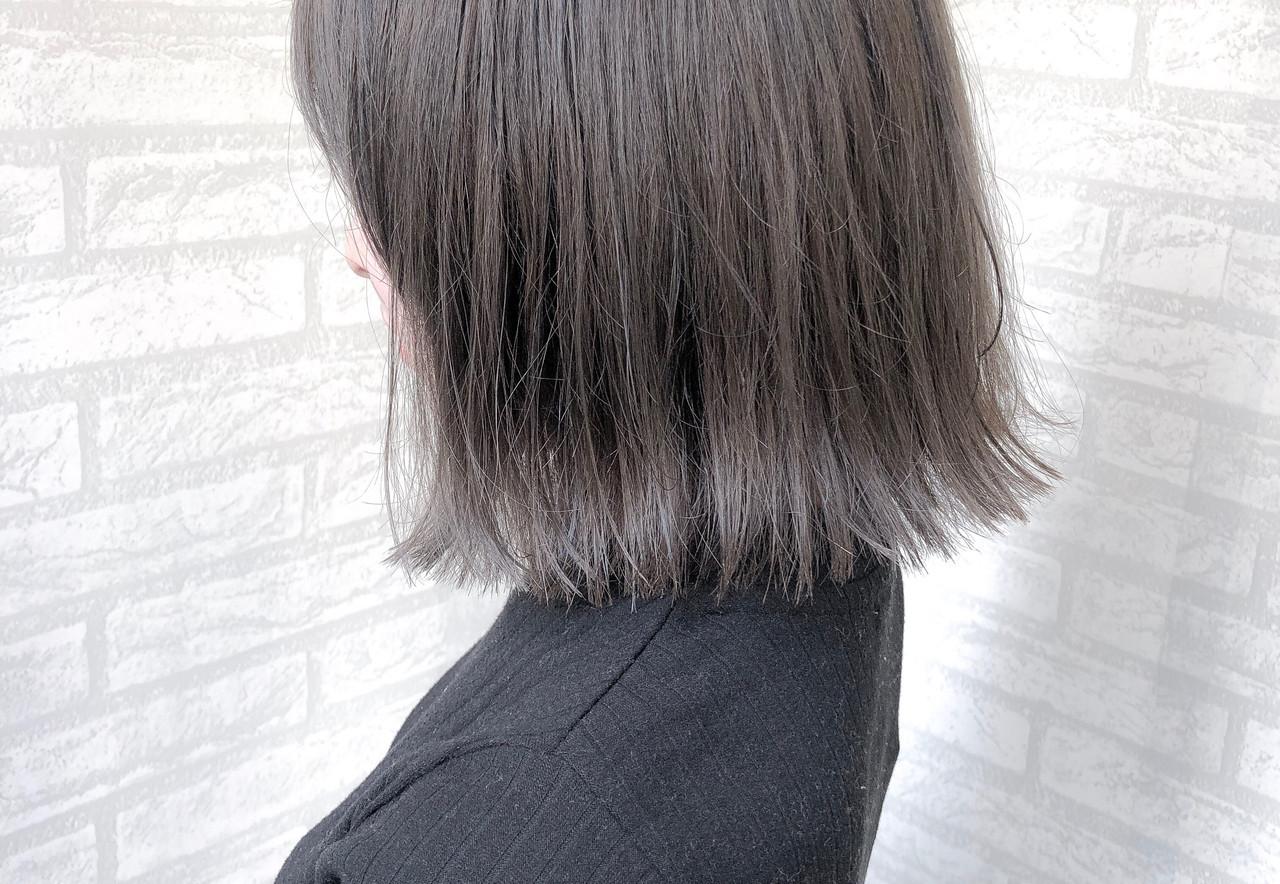 ハイトーン 黒髪 グレージュ ボブ ヘアスタイルや髪型の写真・画像