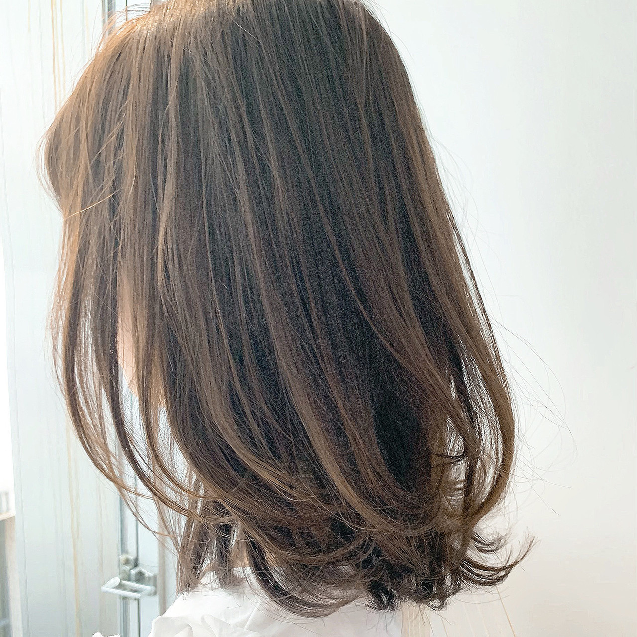 レイヤーカット ロブ ナチュラル ミディアム ヘアスタイルや髪型の写真・画像