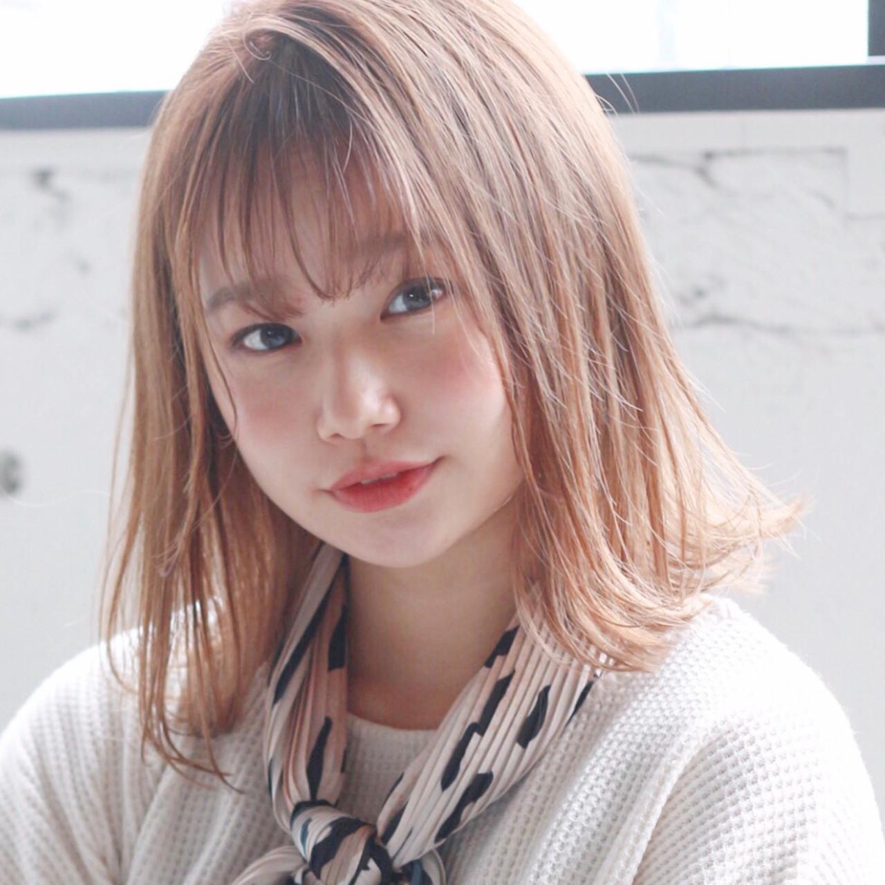 アンニュイほつれヘア ミディアムレイヤー ミディアム モテ髪 ヘアスタイルや髪型の写真・画像