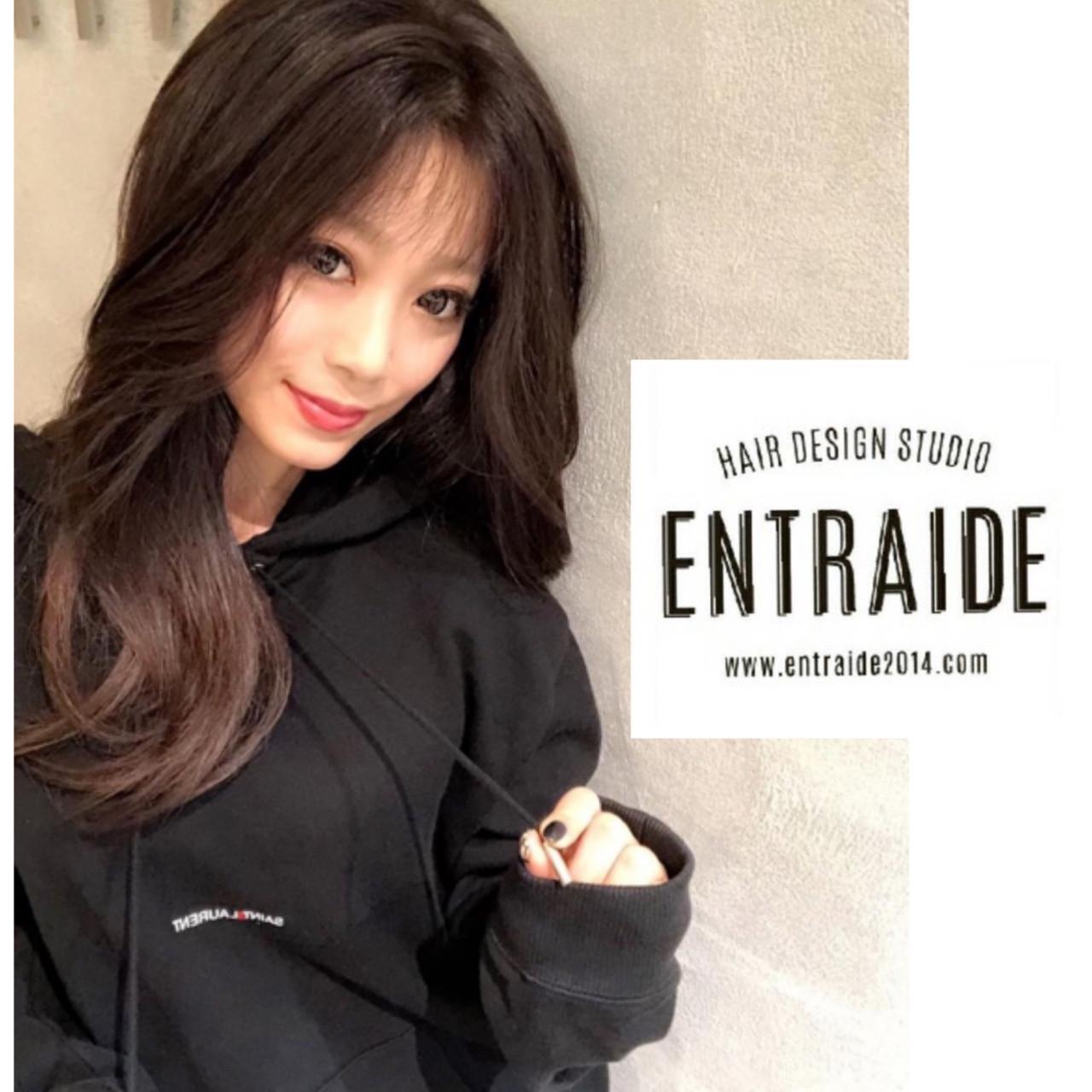 ゆるナチュラル ロング ツヤ髪 ナチュラルブラウンカラー ヘアスタイルや髪型の写真・画像