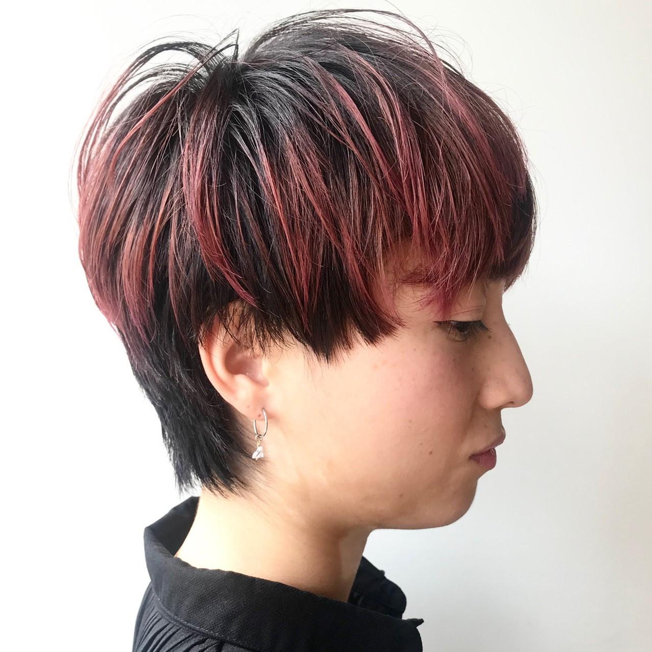 「普通」に飽きた人必見!ピンクのメッシュカラーで個性的なかわいいをGET☆