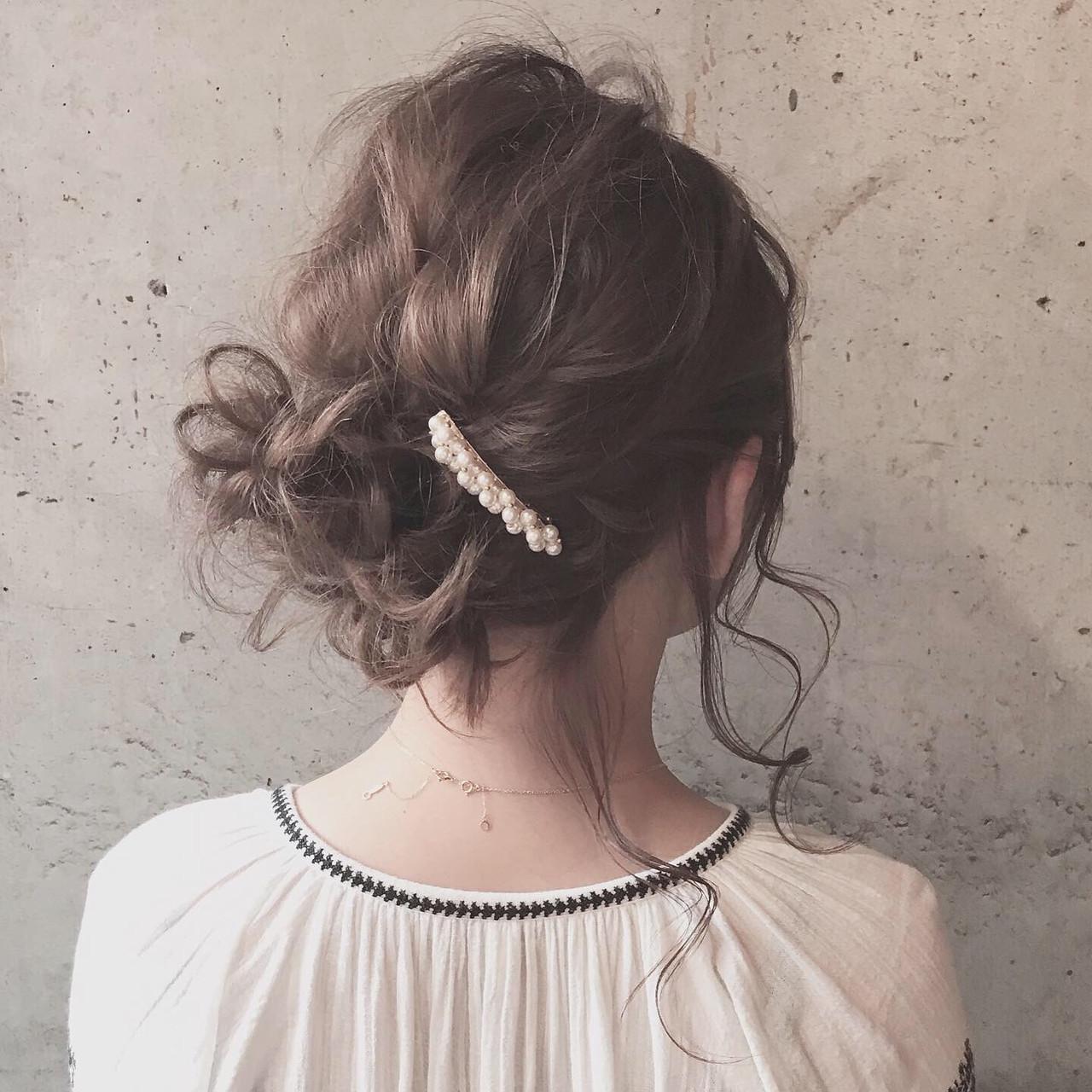 ふわふわヘアアレンジ ヘアアレンジ 結婚式ヘアアレンジ ミディアム ヘアスタイルや髪型の写真・画像