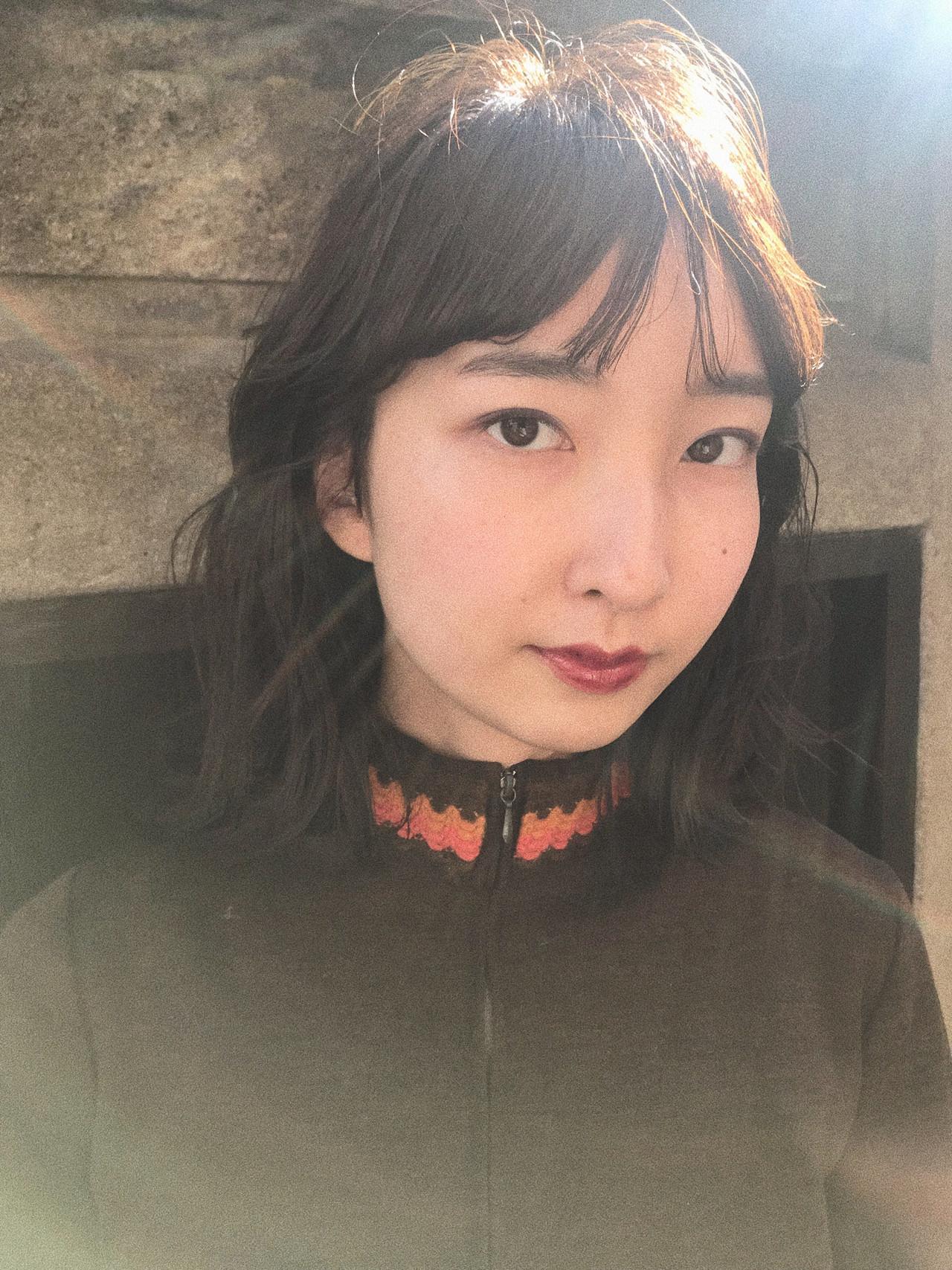 ミディアム レイヤーカット モード 大人かわいい ヘアスタイルや髪型の写真・画像