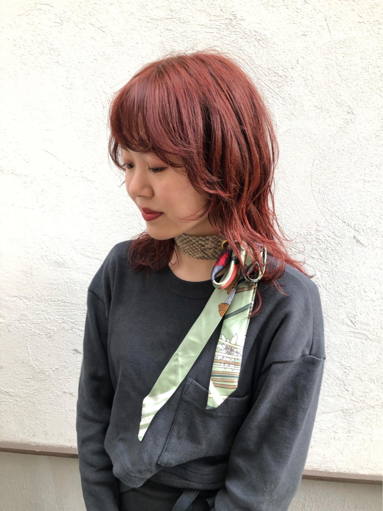 アンニュイほつれヘア ミディアム ウルフカット 外国人風カラー ヘアスタイルや髪型の写真・画像