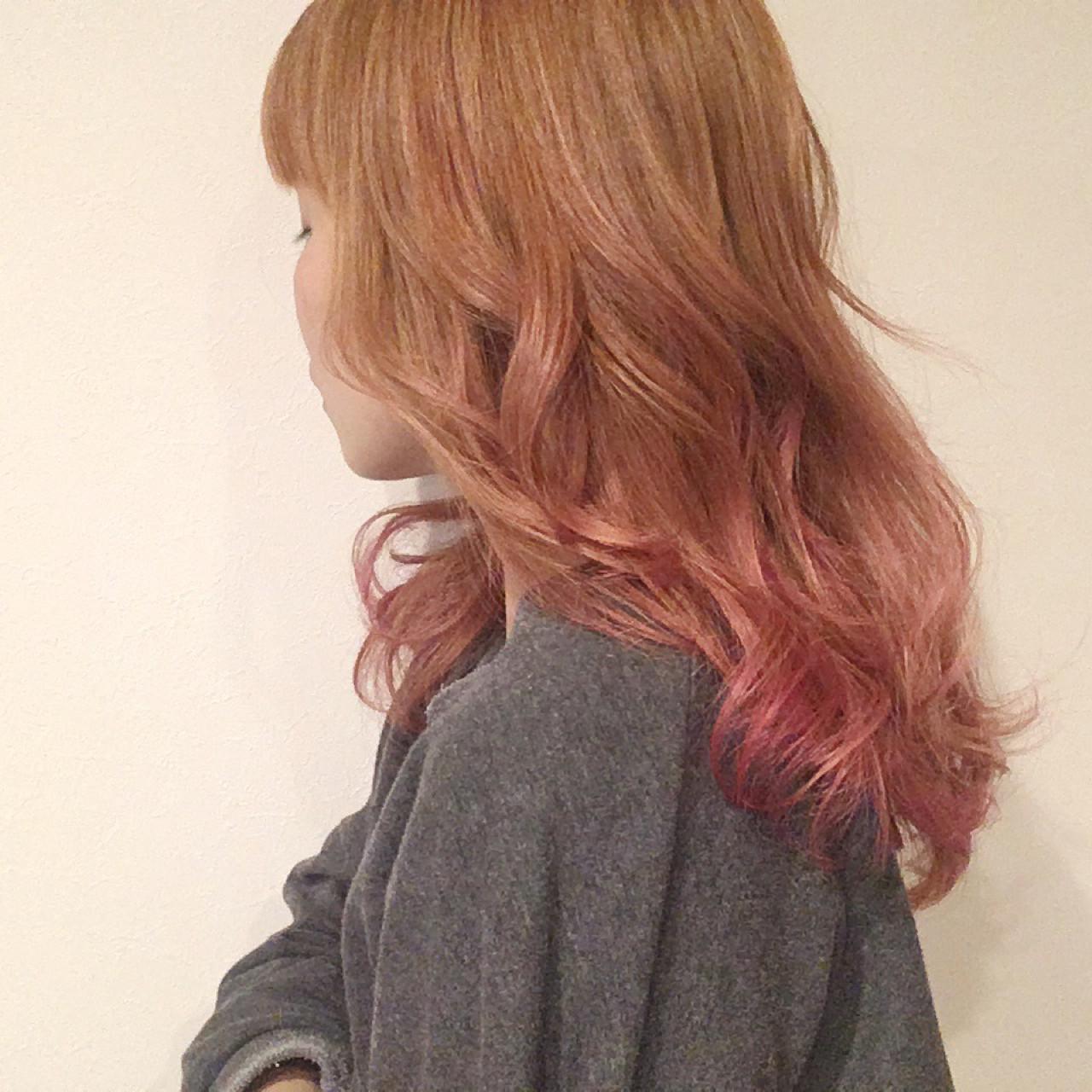 グラデーションカラー オレンジ ダブルカラー ピンク ヘアスタイルや髪型の写真・画像