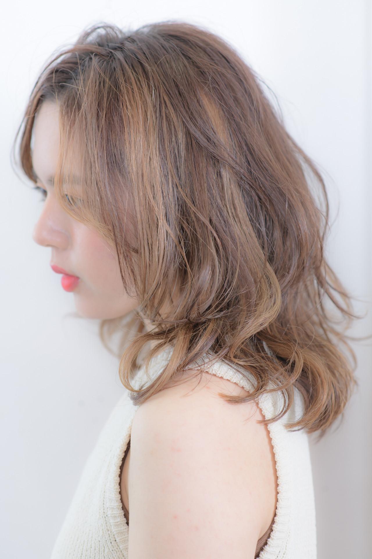 ニュアンスウルフ ハイライト 透明感カラー ナチュラル ヘアスタイルや髪型の写真・画像