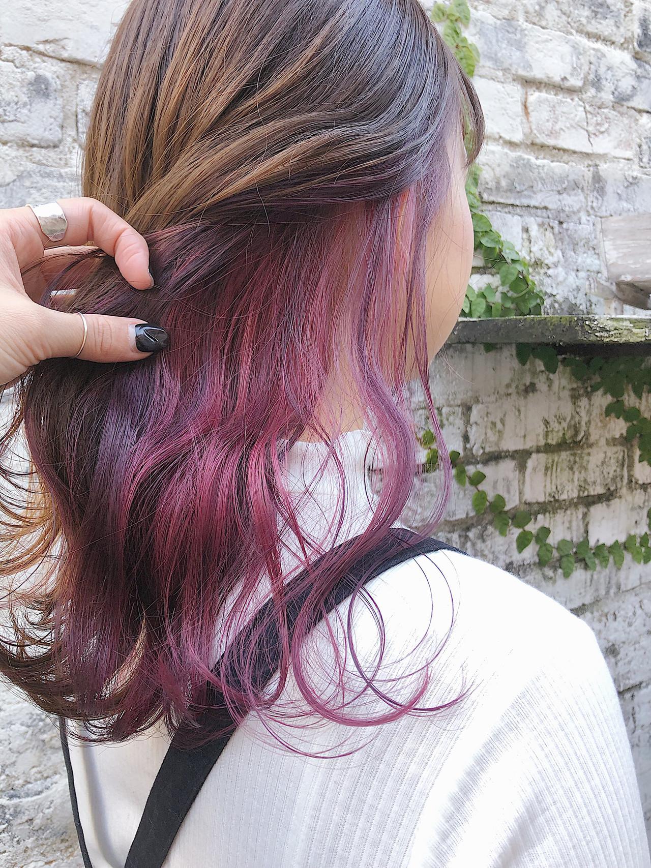 セミロング インナーカラー ピンクカラー ピンクラベンダー ヘアスタイルや髪型の写真・画像