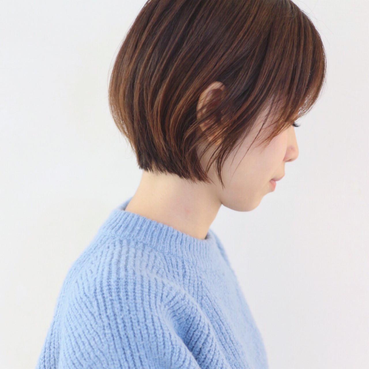 マッシュ ナチュラル くせ毛風 グラデーションカラー ヘアスタイルや髪型の写真・画像