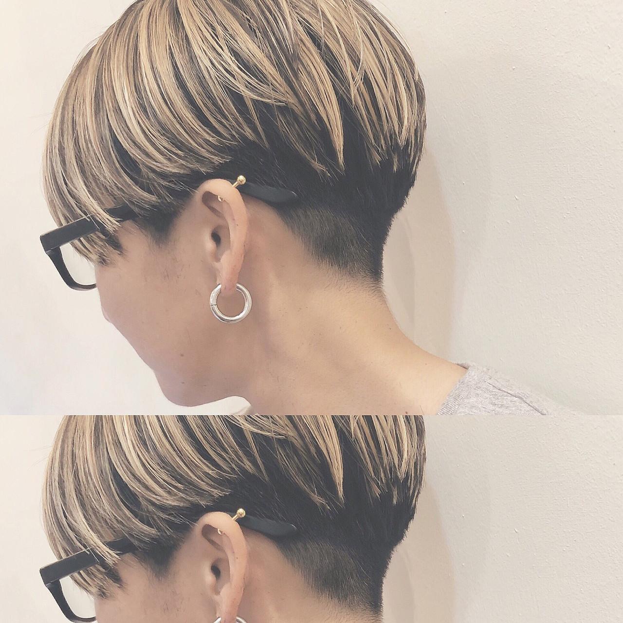 バレイヤージュ ハイライト ショート ナチュラル ヘアスタイルや髪型の写真・画像