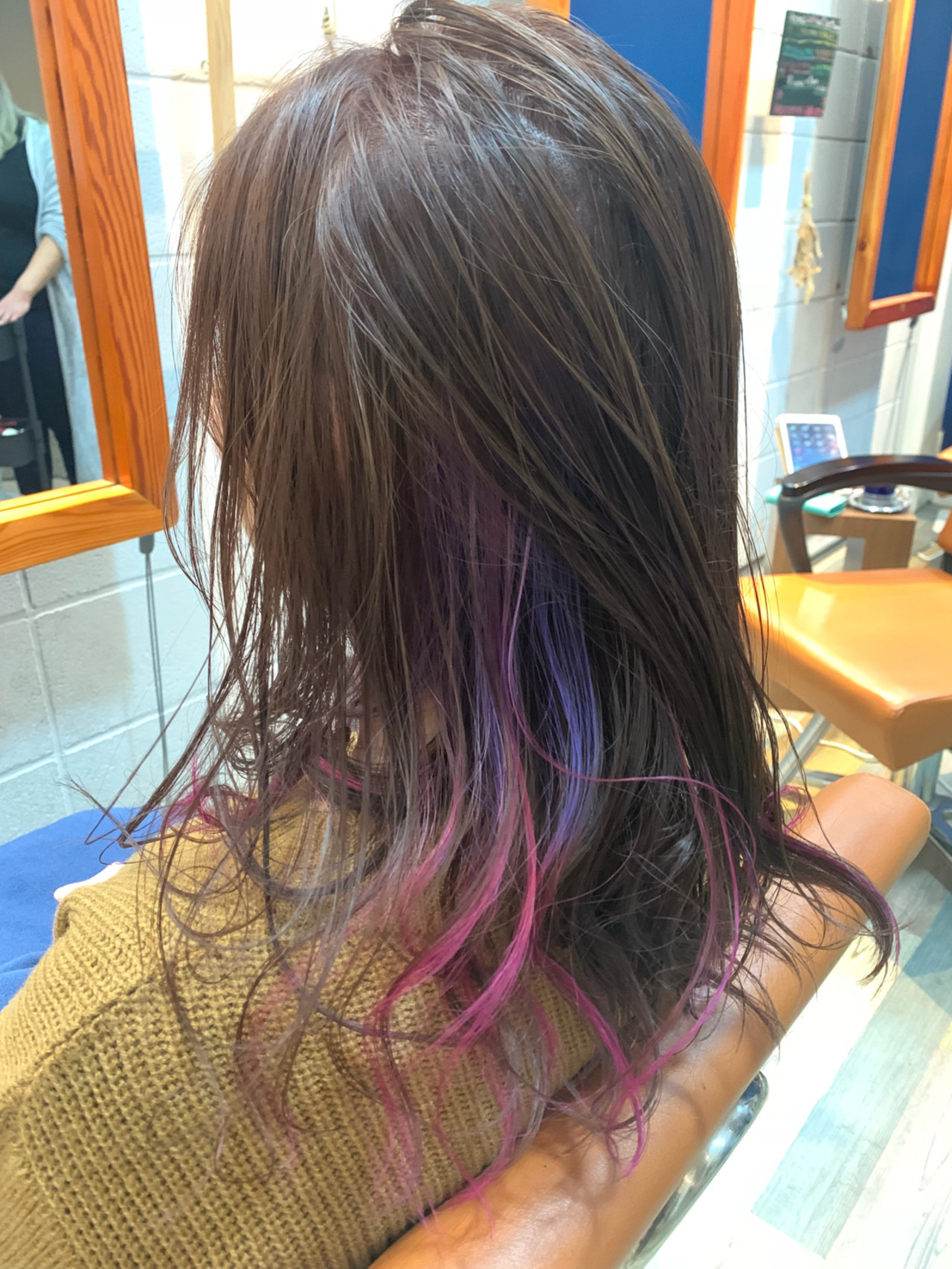 個性が光るセミロングのこだわりピンクグラデーション Hatori Masakirela hair salon