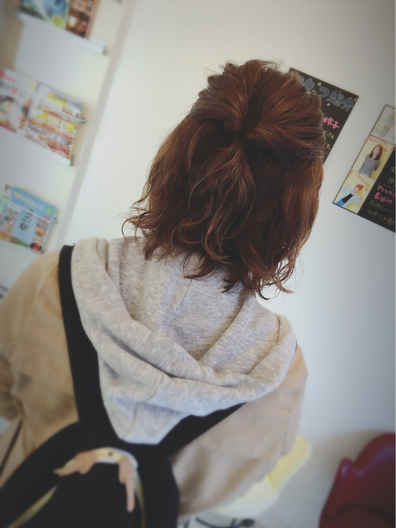 パーマ ニュアンス くるりんぱ ハーフアップ ヘアスタイルや髪型の写真・画像
