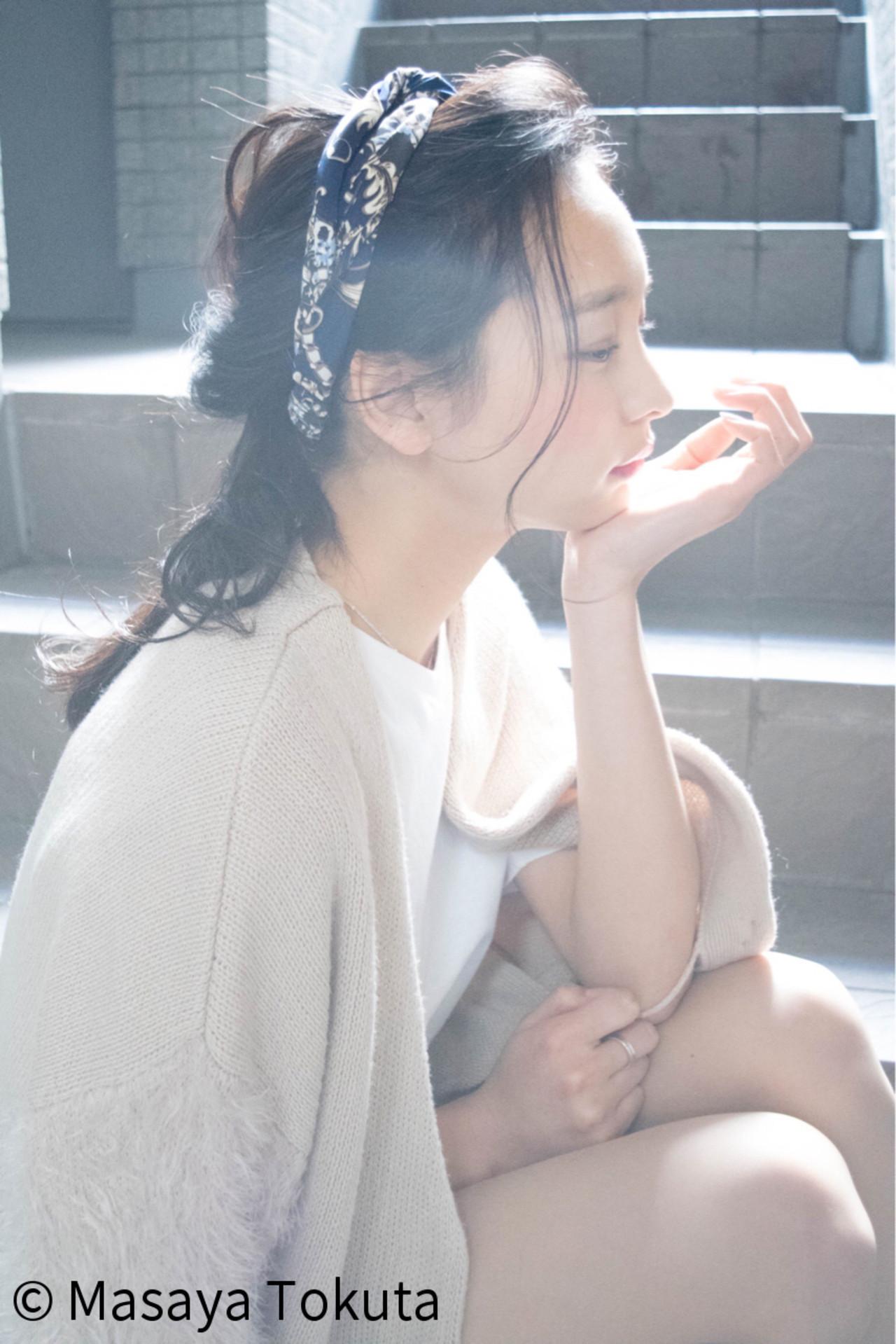 ゆるふわ編み込みのヘアバンドアレンジ 徳田 誠也