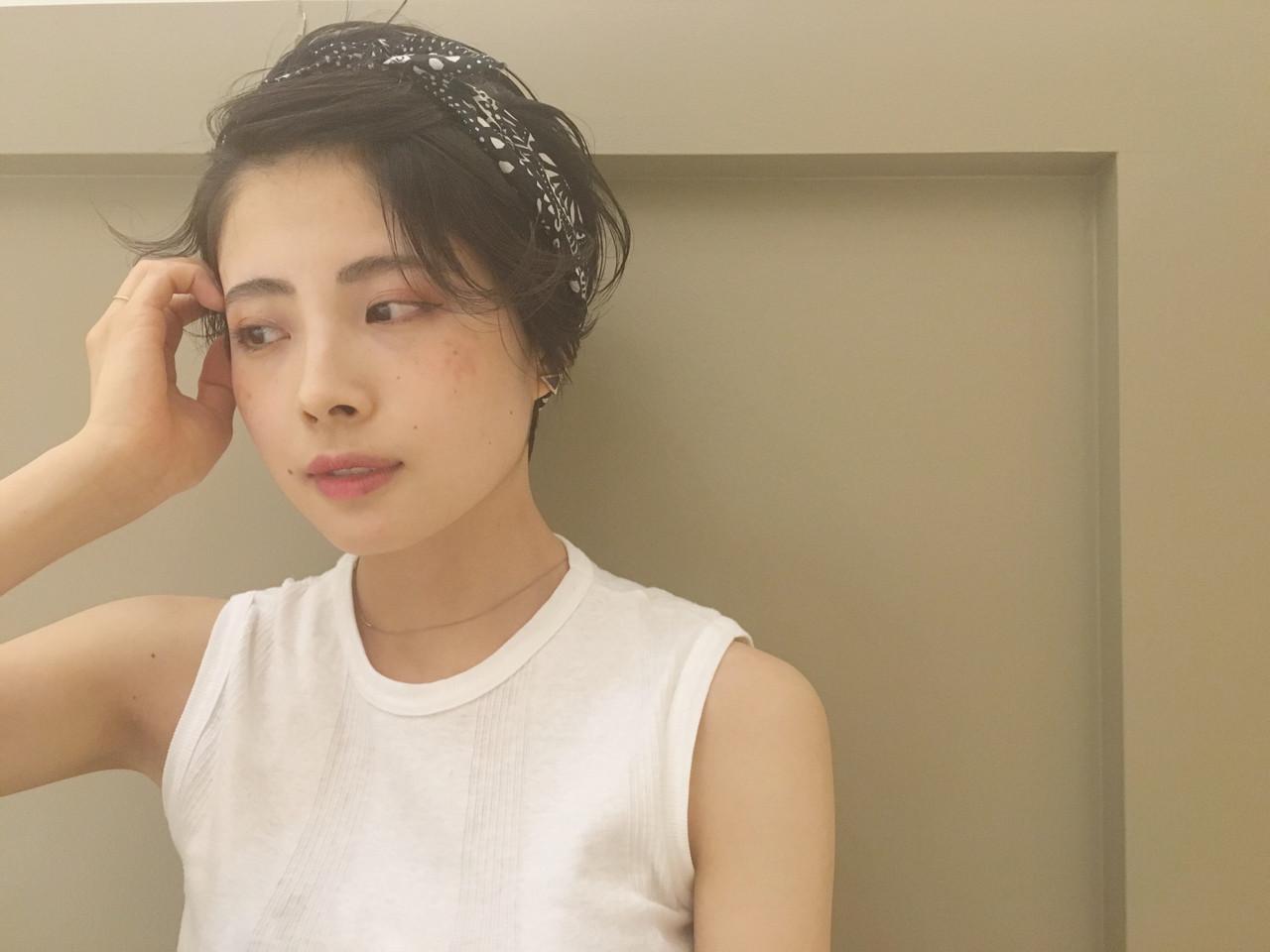 前髪アップ♡すっきり見せのヘアバンドヘアスタイル☆ hashimoto/LOUIE