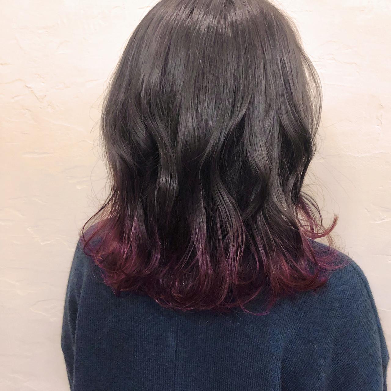 モード感溢れるミディアムのピンクバイオレットグラデーションカラー 上杉遥HELME