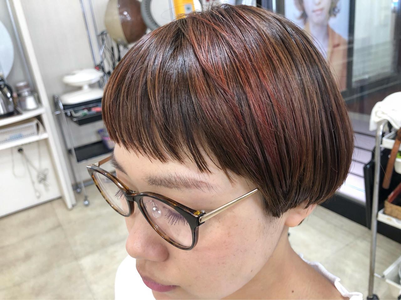 ハイライト ナチュラル ショート インナーカラー ヘアスタイルや髪型の写真・画像