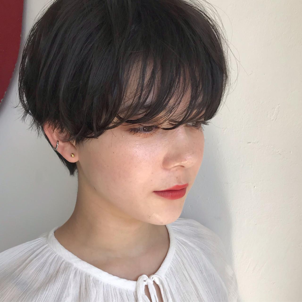 ダークカラー ダークアッシュ ベリーショート ナチュラル ヘアスタイルや髪型の写真・画像