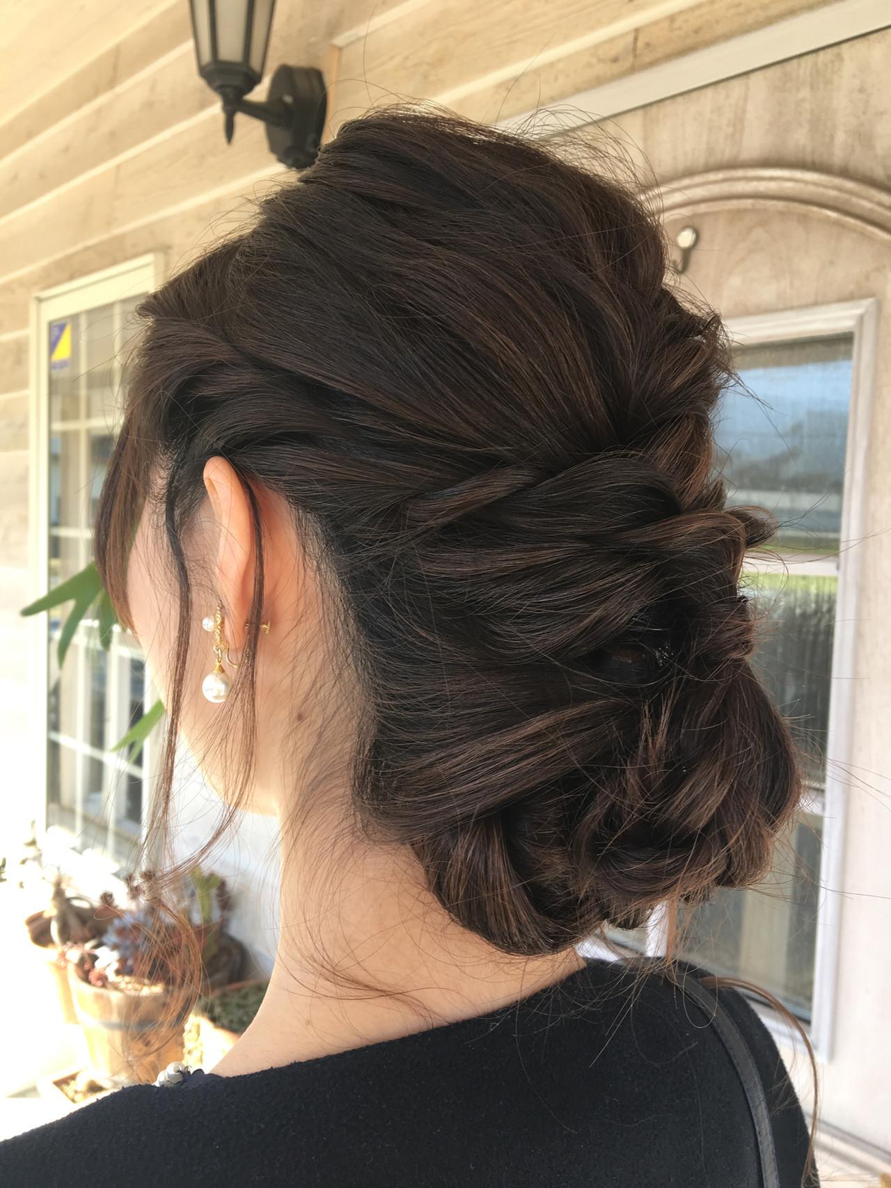 結婚式 フェミニン シニヨン ロングヘア ヘアスタイルや髪型の写真・画像