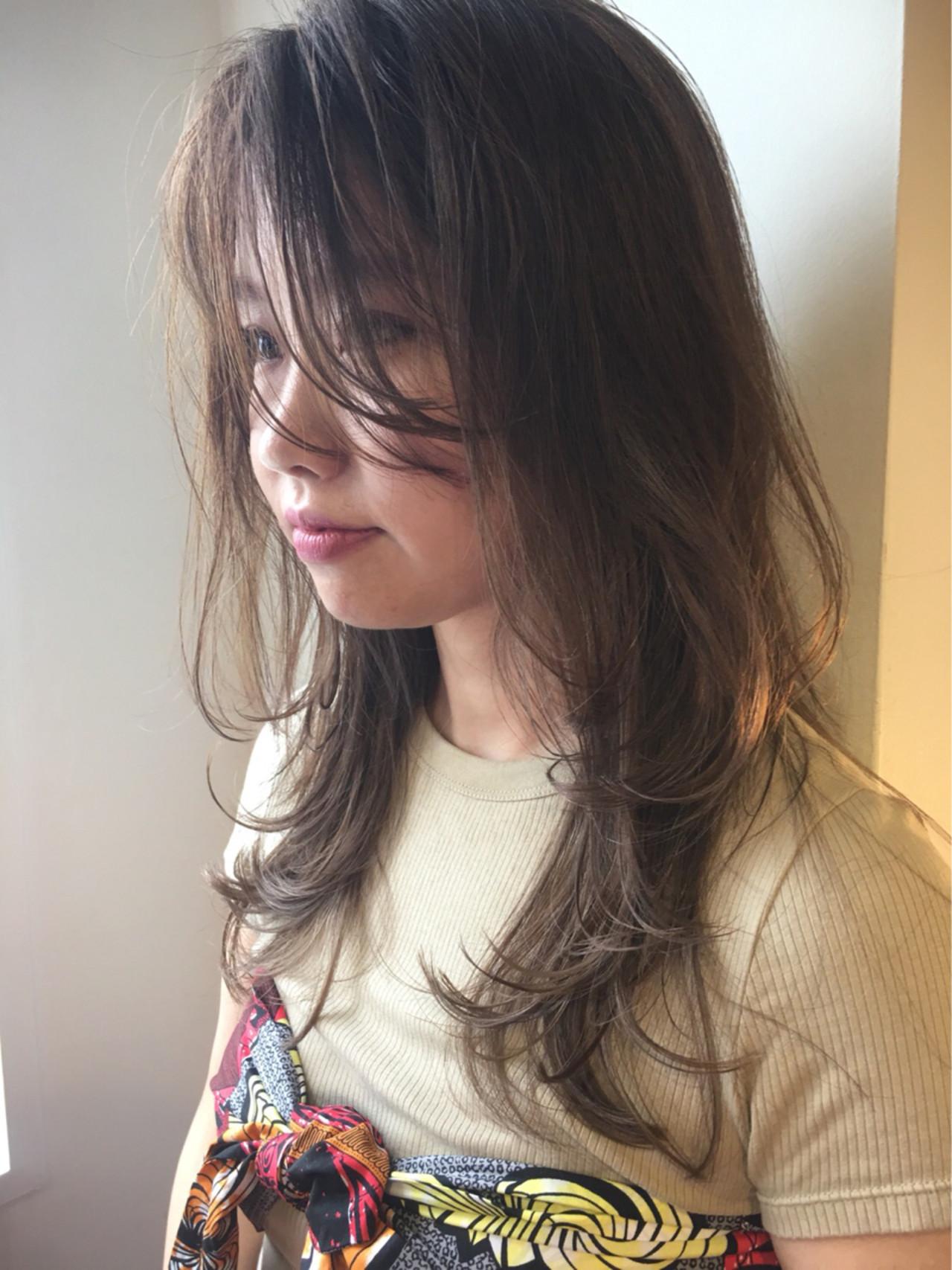 ロング 透明感 ヌーディベージュ モード ヘアスタイルや髪型の写真・画像