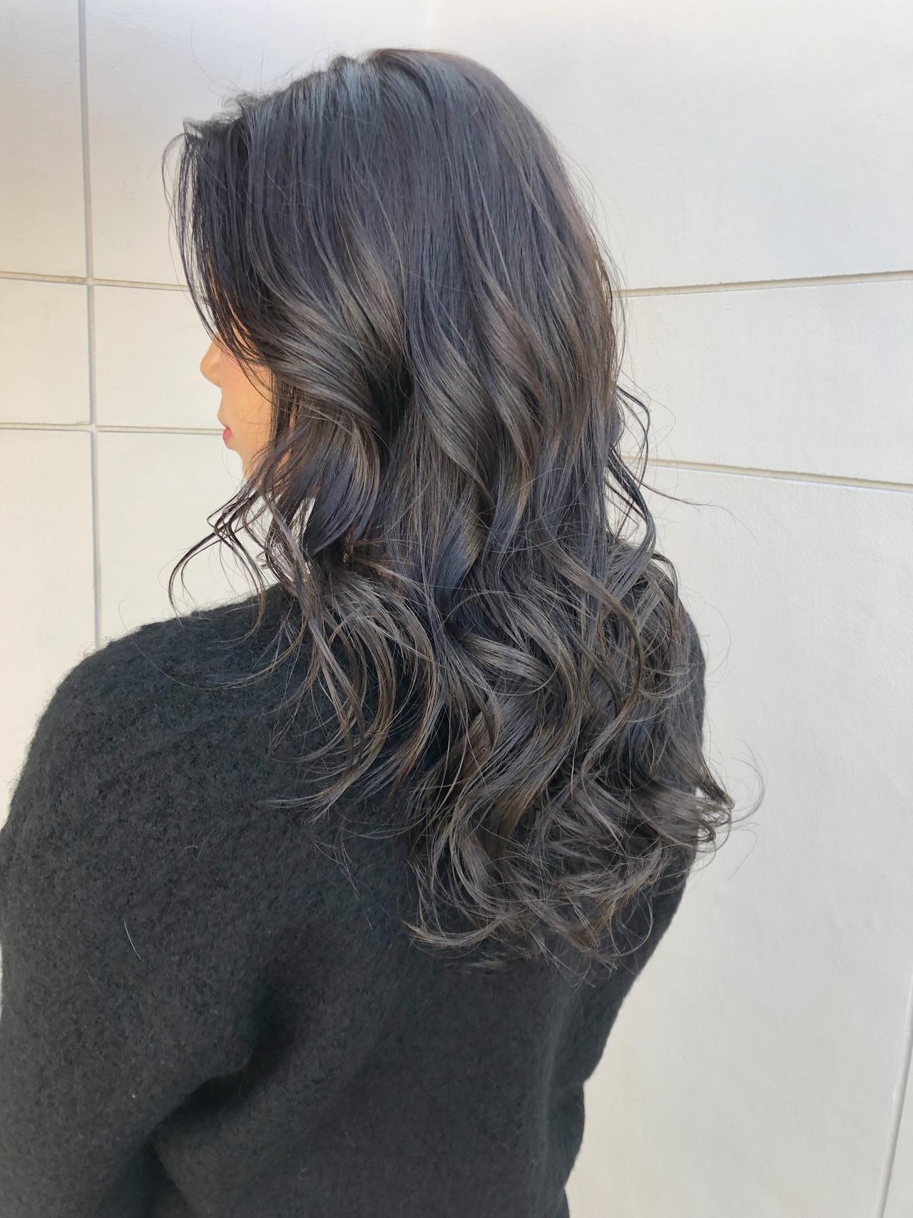 アッシュグレー グレージュ アッシュグレージュ グレーアッシュ ヘアスタイルや髪型の写真・画像