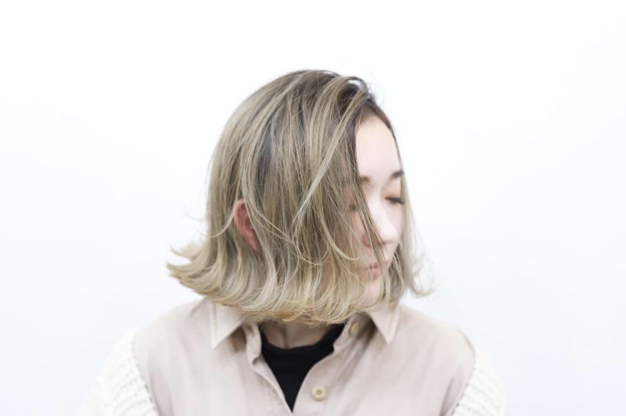 クリームブロンド プラチナブロンド ハイライト ボブ ヘアスタイルや髪型の写真・画像