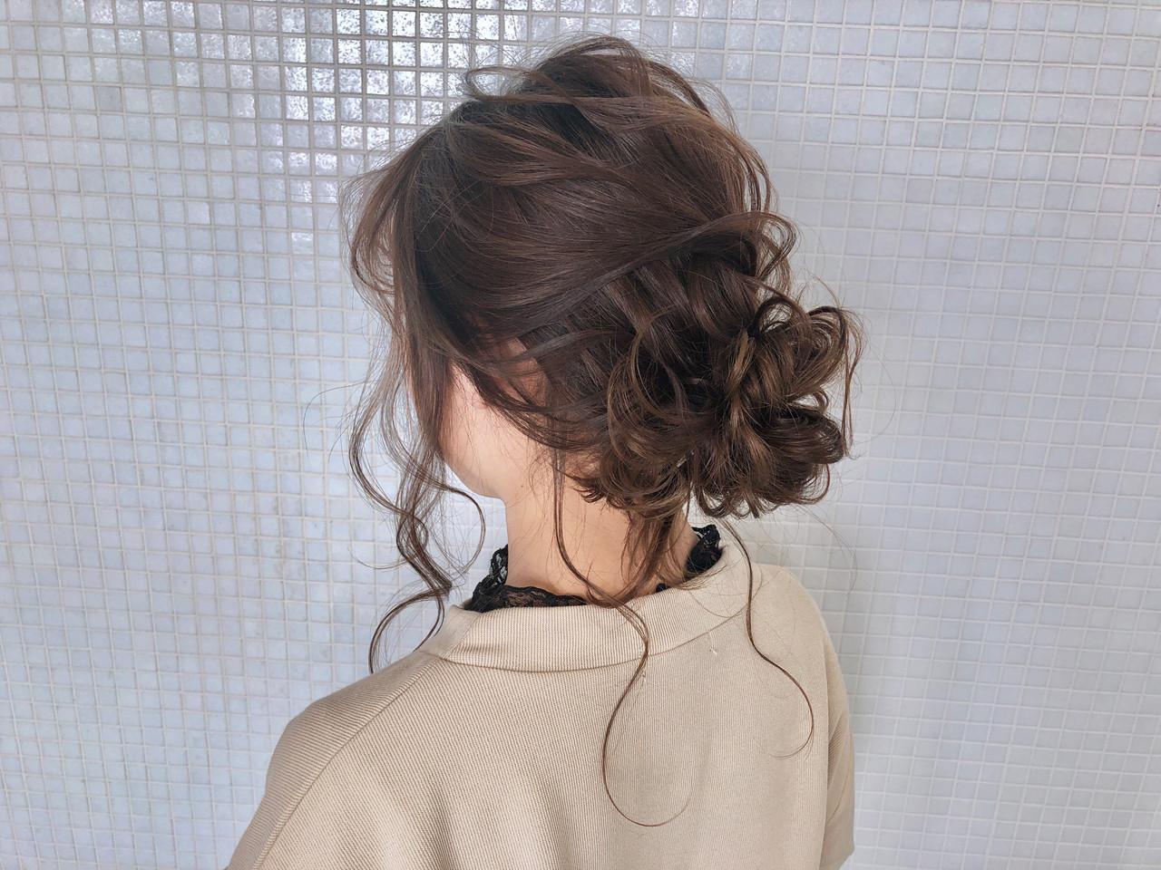 フェミニン お団子アレンジ くるりんぱ 簡単ヘアアレンジ ヘアスタイルや髪型の写真・画像