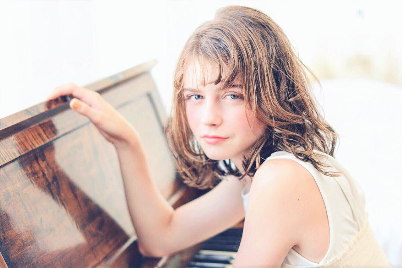 ミディアム フェミニン ウェットヘア 愛され ヘアスタイルや髪型の写真・画像