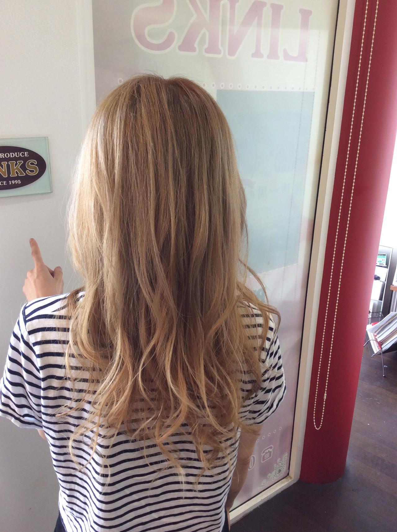 外国人風のガーリーなセミロングのイルミナカラー rumiLINKS美容室リンクス美容室