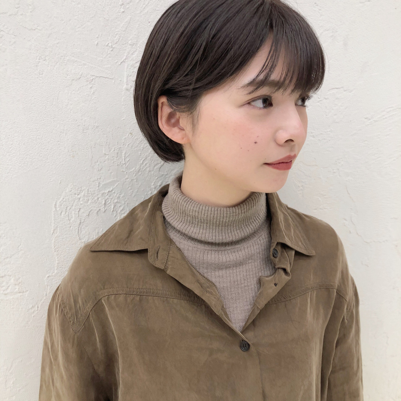 小顔ショート ショートボブ ショコラブラウン 透明感カラー ヘアスタイルや髪型の写真・画像