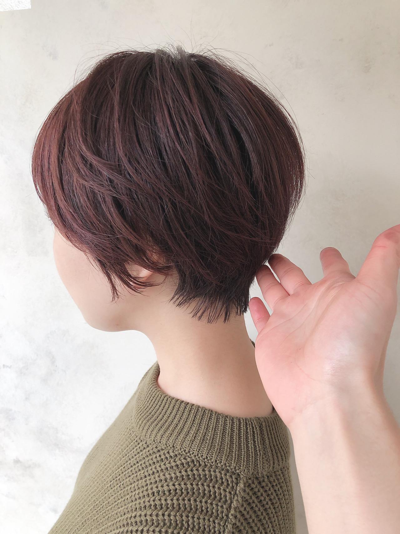 チェリーレッド ショートヘア 大人可愛い ナチュラル ヘアスタイルや髪型の写真・画像
