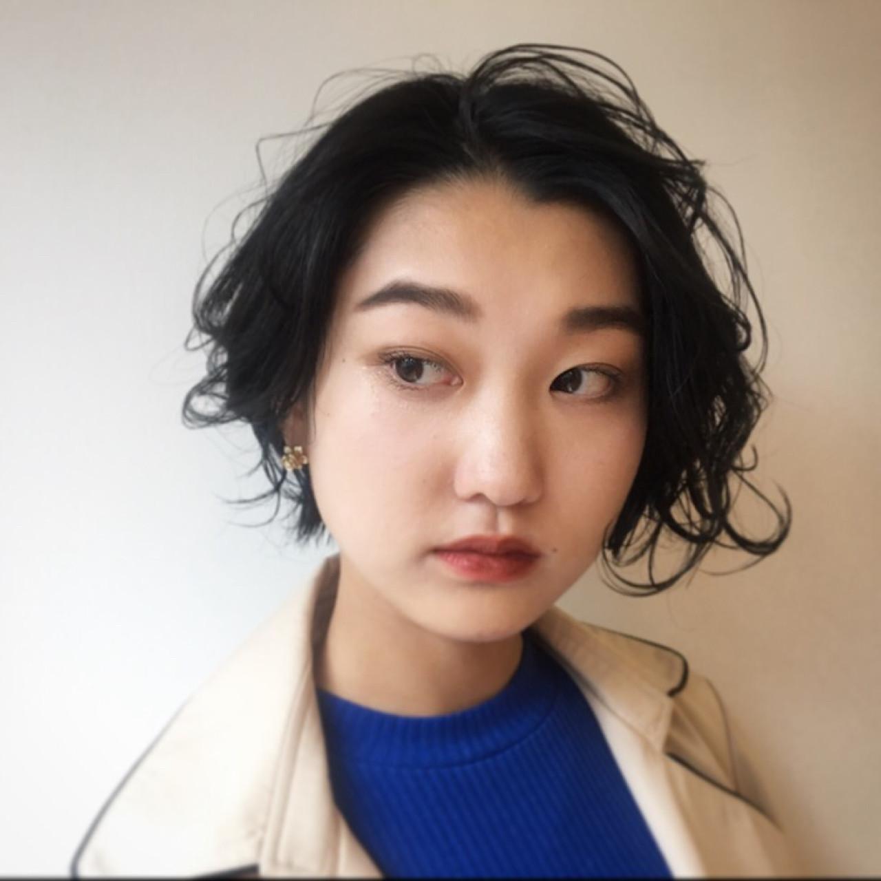 ウェットヘア パーマ ナチュラル 抜け感 ヘアスタイルや髪型の写真・画像