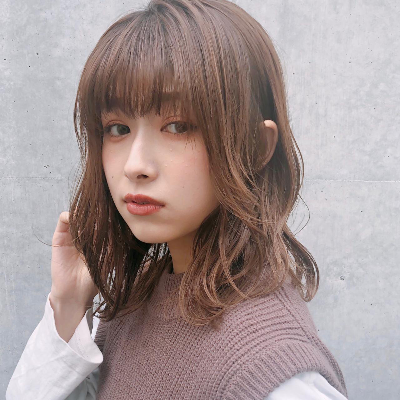 ミディアム アンニュイほつれヘア ゆるふわ 大人かわいい ヘアスタイルや髪型の写真・画像