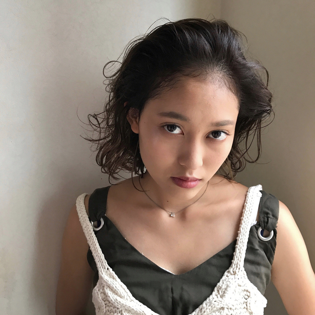オールバック ボブ 大人女子 ナチュラル ヘアスタイルや髪型の写真・画像