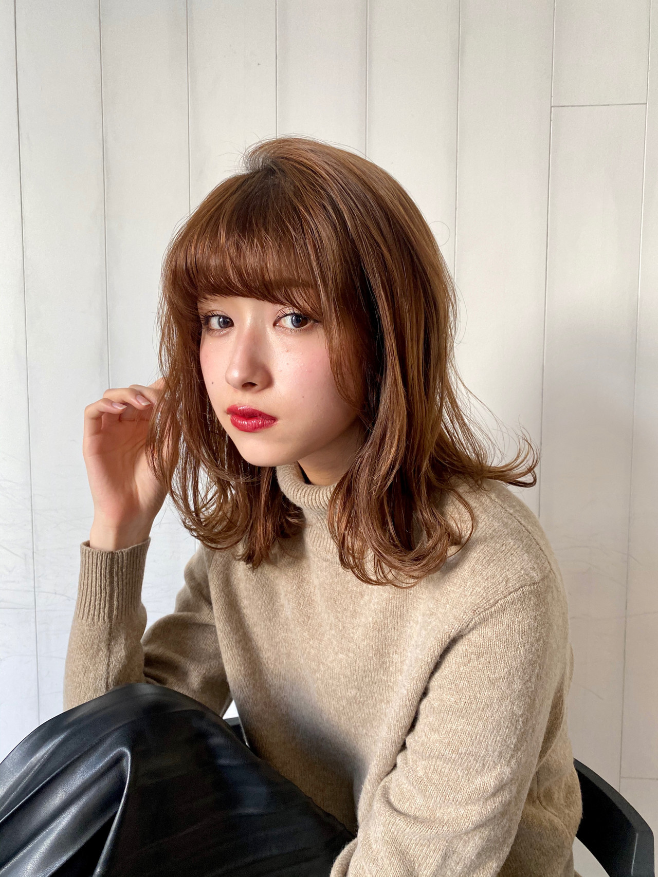ミディアム ミディアムレイヤー 前髪パーマ モテ髮シルエット ヘアスタイルや髪型の写真・画像
