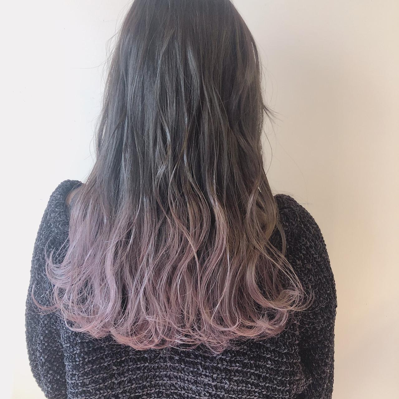 ピンクアッシュ ピンクグレージュ ピンクラベンダー ロング ヘアスタイルや髪型の写真・画像