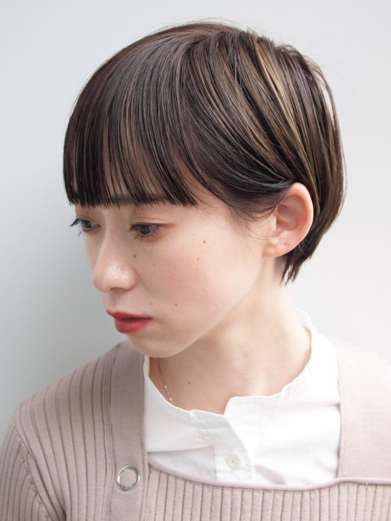 前髪パッツン ショートヘア ハイライト ショート ヘアスタイルや髪型の写真・画像