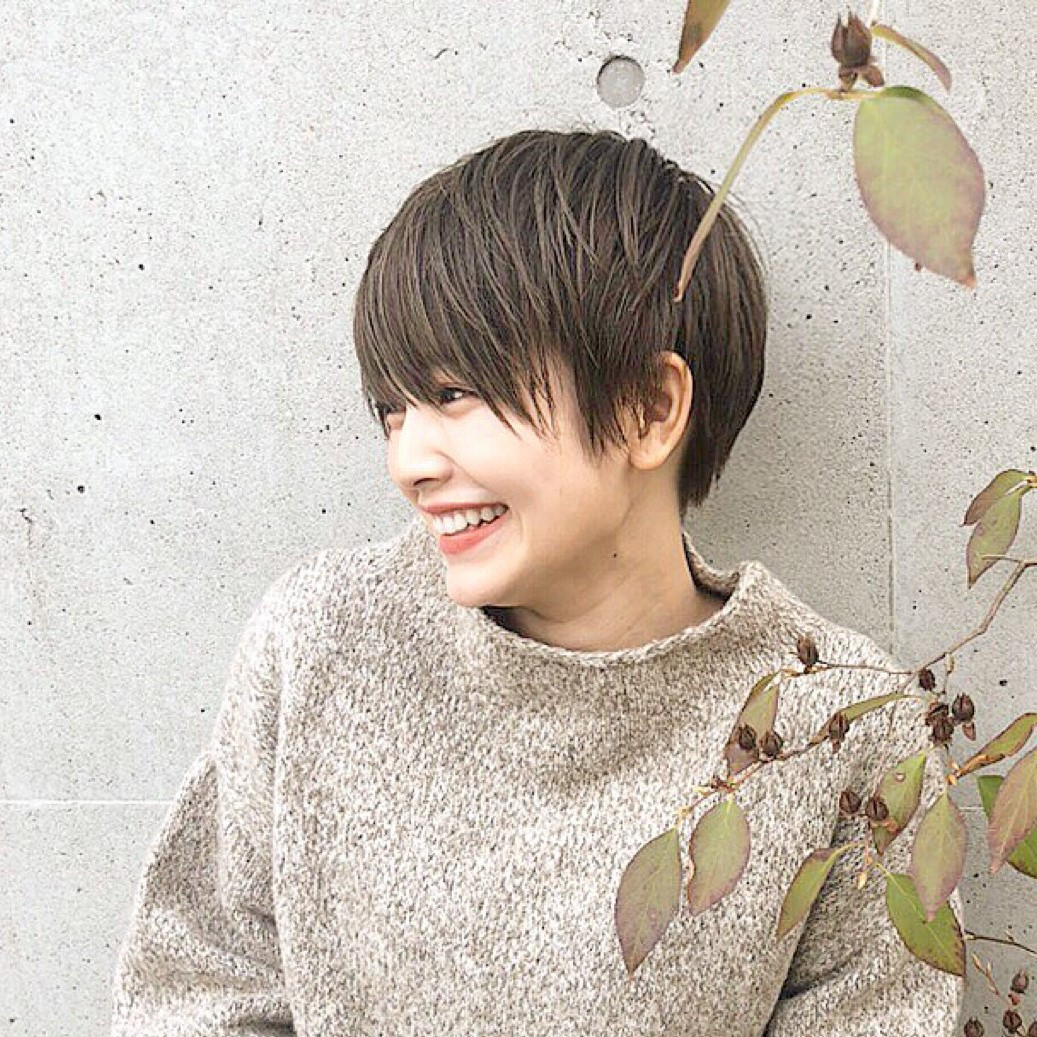 女性の髪型の名前を長さ&種類別にご紹介!理想のヘアスタイル探しをお手伝い