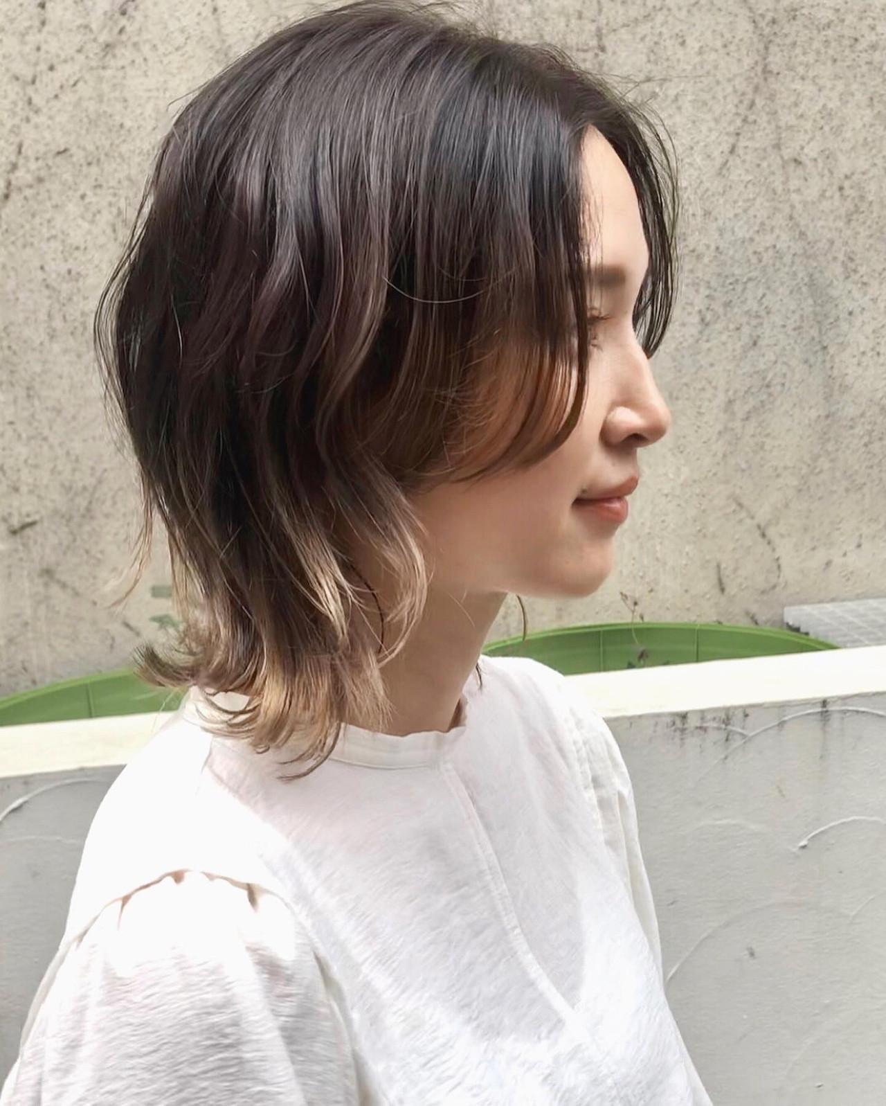 ハイライト レイヤーカット ミディアム インナーカラー ヘアスタイルや髪型の写真・画像