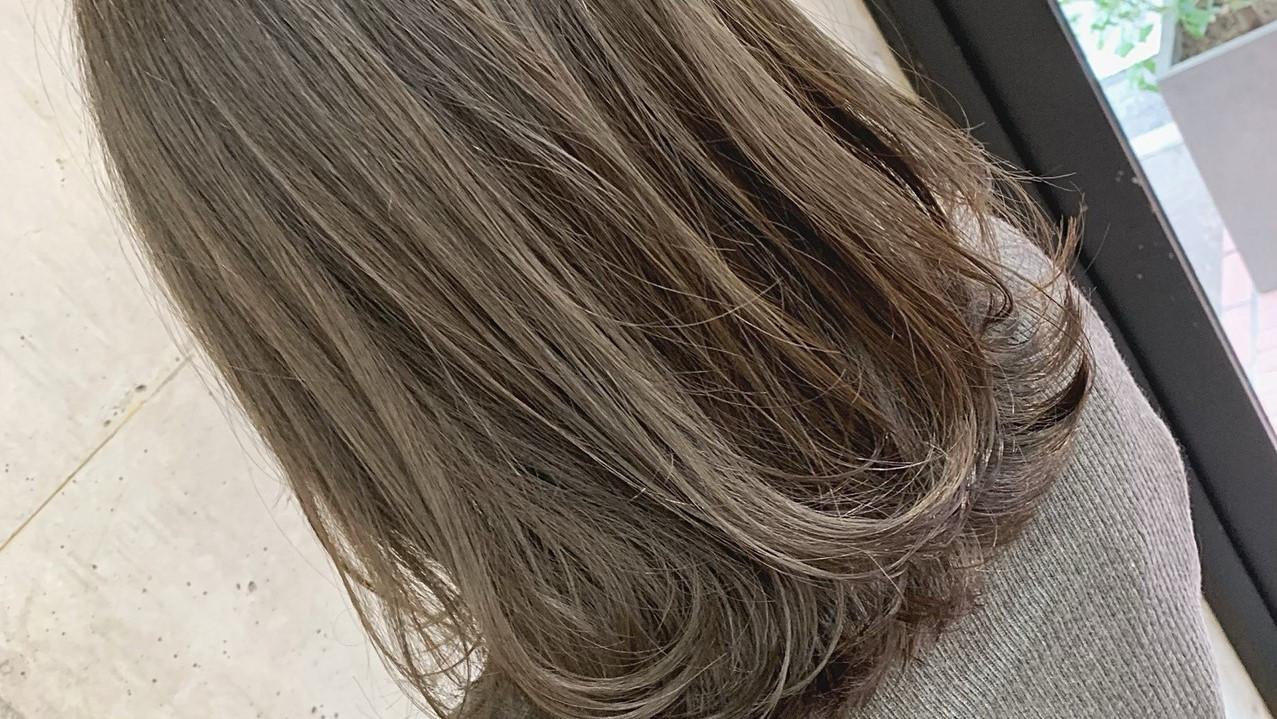 髪を傷めず満足な発色へ!ブリーチなしでできる垢抜けヘアカラー