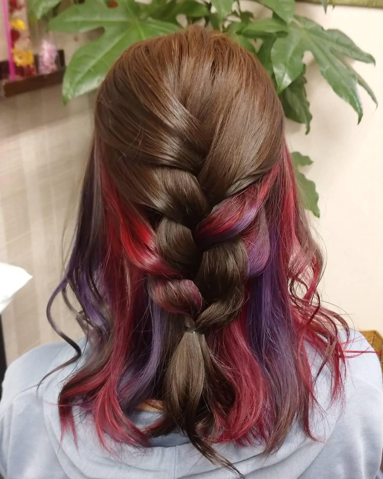 インナーカラーレッド ミディアム ガーリー #インナーカラー ヘアスタイルや髪型の写真・画像
