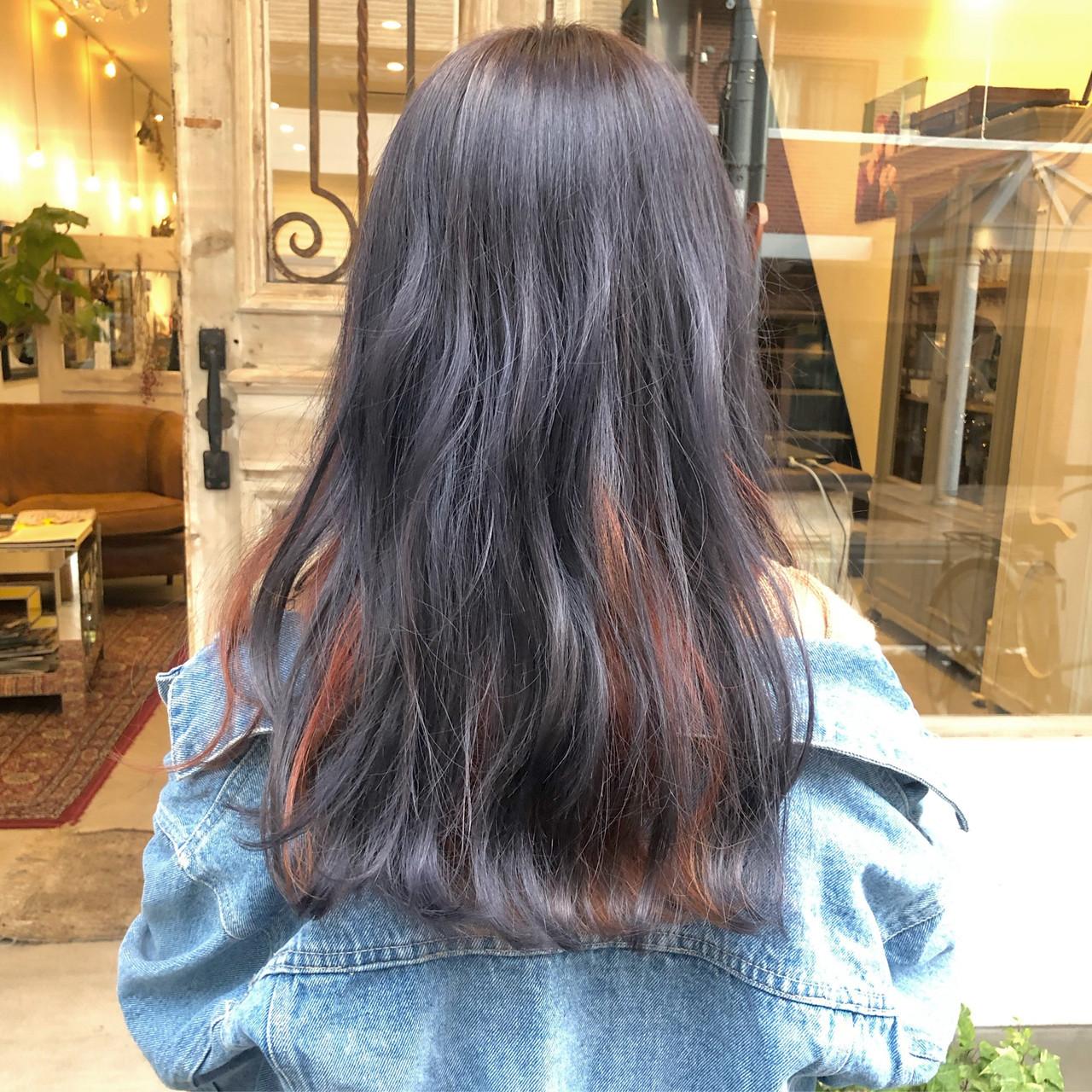 ダブルカラー ストリート セミロング アンニュイほつれヘア ヘアスタイルや髪型の写真・画像