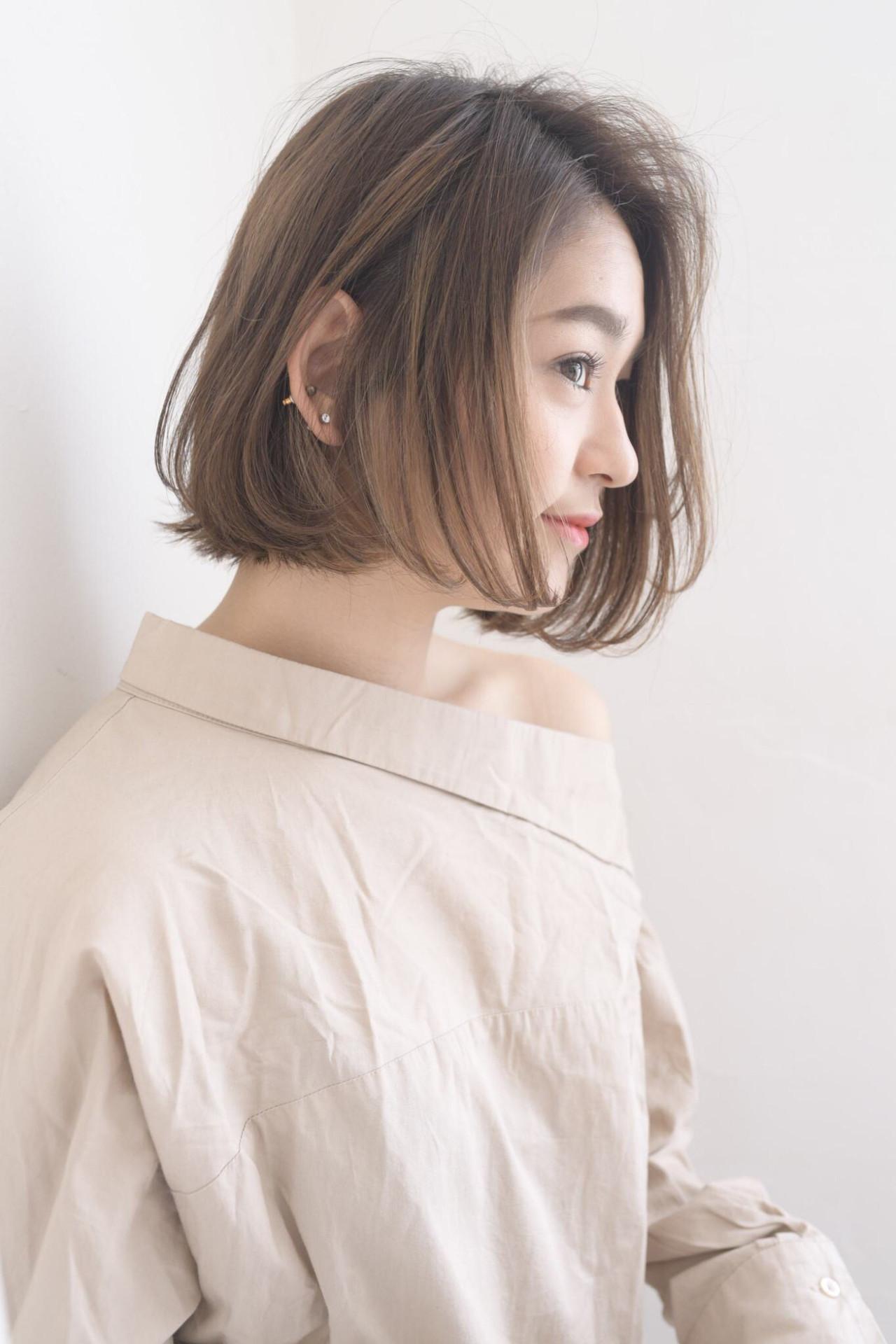 ナチュラル可愛い ナチュラル 艶髪 かき上げ前髪 ヘアスタイルや髪型の写真・画像